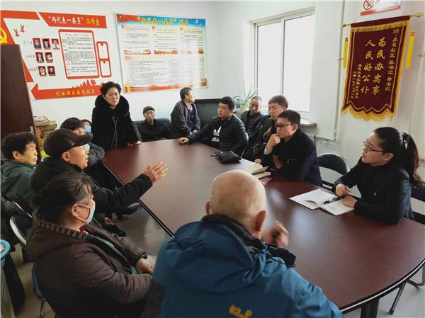 党代表工作室调解居民与天然气施工单位矛盾纠纷.jpg